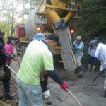 諸塚村八重の平地区「生コンクリート舗装のお手伝い」